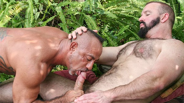 hairy-and-raw-outdoor-blowjob